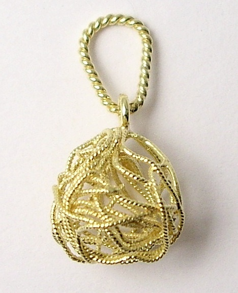 Gold pendant ´ball of yarn´